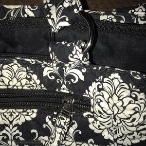 Other - Beautiful purse lots of pockets